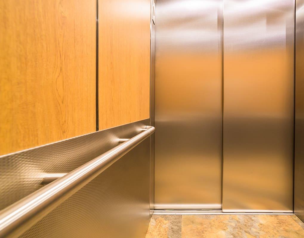 GRCustom_elevator_cabs_HamiltonHouse768xside