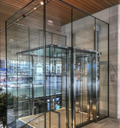 Glass Observation Cab: Tech Retail